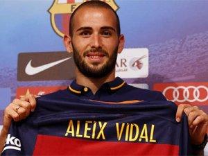 Vidal resmen Barça'da!