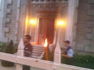 Kadıköy'de kiliseye saldırı!
