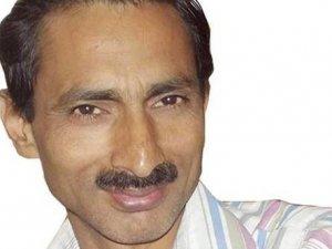 Hindistan'da gazeteciyi diri diri yaktılar