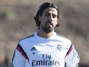 Juventus, Khedira'yi renklerine bağladı