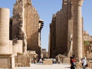 Mısır'da Karnak Tapınağı'na bombalı saldırı