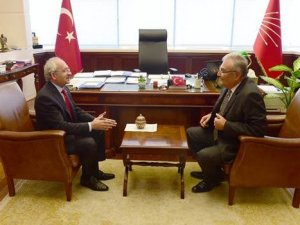 Ankara'da görüşme günü: Baykal, Kılıçdaroğlu'nun yanına geldi
