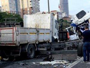 TEM'de zincirleme kaza, üç yaralı