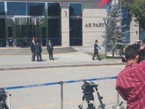 AKP'den yöneticilere ve gazetecilere yasak