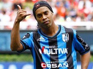 Ronaldinho adım adım Antalyaspor'da