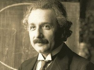 Einstein'in izafiyet teorisi mektubu 62 bin dolara satıldı