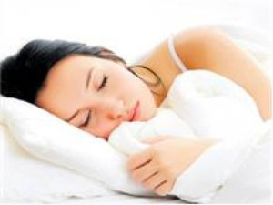 Kadınlar fazla uyuyor ama mutsuz uyanıyor!