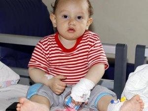 Ana hava yoluna çekirdek kabuğu kaçan bebek kurtarıldı