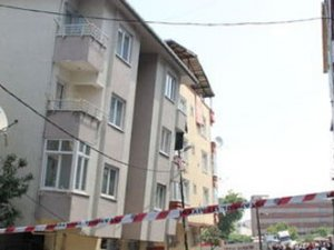 İBB'den yan yatan 5 katlı binayla ilgili açıklama