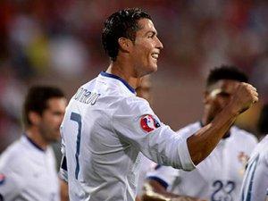 Ronaldo'dan hat-trick
