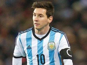 Arjantin ile Paraguay berabere kaldı