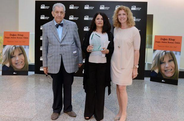 Menekşe Toprak, Duygu Asena Roman Ödülünün Sahibi