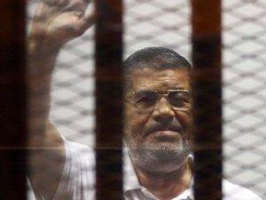 Mursi'nin cezası ömür boyu hapse çevrildi