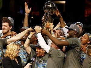 Golden State Warriors 40 yıl sonra şampiyon