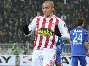 Galatasaray Aatif ile anlaştı mı?