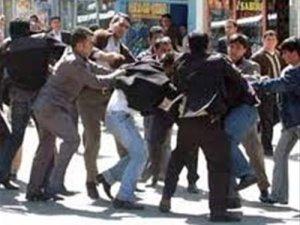 Erzurum'da sigara içen kadını dövdüler