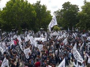 """İstanbul'da """"hilafet"""" yürüyüşü"""