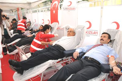 Kan vermek ve kan almak orucu bozar mı?