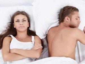 Kadınlar, erkeklerden daha mutsuz uyanıyor