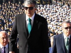 Gül, AKP'li üç dönemliklerle iftarda buluştu