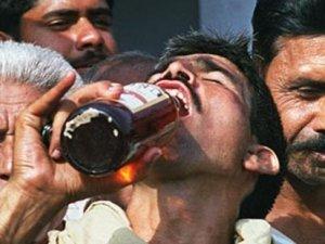 Hindistan'da sahte içki skandalı: Ölü sayısı 94 oldu