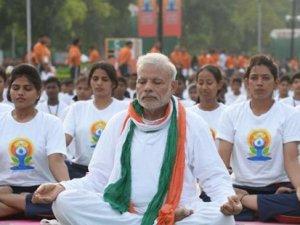 Hindistan'da yoga zamanı