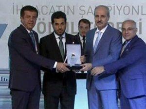 """Rıza Sarraf'a """"şampiyonluk"""" ödülü"""