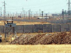 Mardin'de sınıra hendekler kazılıyor