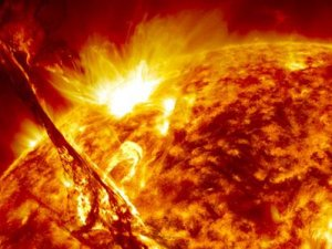 Güneş'te yaşanan en şiddetli patlama Dünya'ya ulaştı