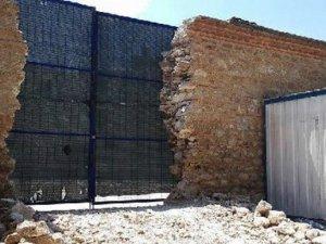 Tarihi Külliyede restorasyon yıkım getirdi!