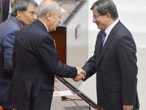 Davutoğlu: AKP tabanı MHP ile koalisyon istiyor