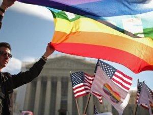 ABD'de eşcinsel evlilik yasallaştı