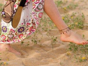 Çıplak ayakla yürümeyin!