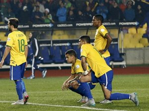 Brezilya'ya şok! Paraguay yarı finalde
