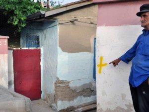 Elazığ'da Aleviler'in yaşadığı 6 evin işaretlenmesi endişe yarattı