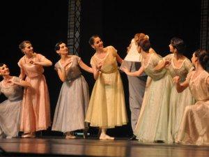6 yıl sonra 'Çalıkuşu balesi' sahnede!