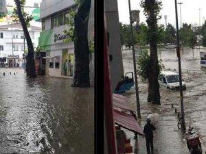 Kartal'da 15 dakikalık yağış felç etti