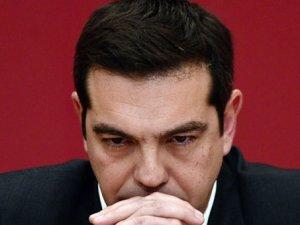 Moody's, Yunanistan'ın notunu düşürdü