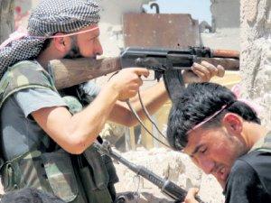 Rejim Lübnan sınırında muhalifleri sıkıştırdı