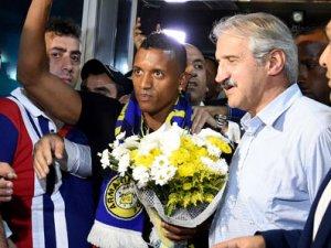 Luis Nani, İstanbul'da!