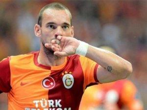 Sneijder'den 2 yıllık sözleşme