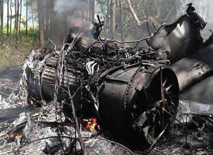 ABD'de F-16 ile küçük bir yolcu uçağı havada çarpıştı