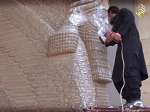 Işid'den Mısır Piramitlerini yıkma tehdidi