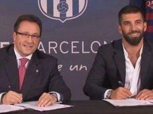 Arda Turan, Barcelona'ya 5 yıllık imzayı attı