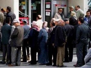 Bayram öncesi maaşlar ödenecek mi? Emekliler bu habere kitlendi