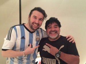 Türk dizi oyuncusu maradona ile buluştu