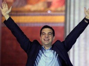 """""""Tsipras bizi mi yoksa halkını mı kandırıyor?"""""""