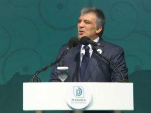 Abdullah Gül, Erdoğan'ın bulunduğu iftarda dış politikayı eleştirdi