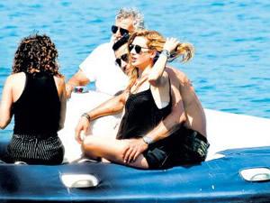 İmirzalıoğlu-Kobal çifti tatilde!