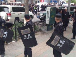 Çin 3 Uygur Türk'ünü öldürdü